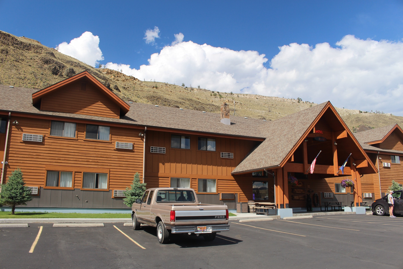 Yellowstone Village Inn Gardiner Montana