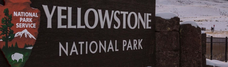 Volunteers Clean Restrooms, Take Out Trash in Yellowstone Amid Government Shutdown